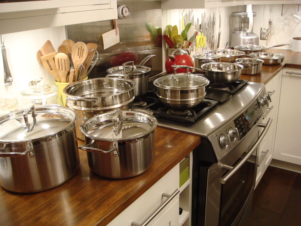Le Creuset 12-piece Stainless Steel Cookware Set