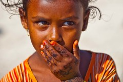 girl with tattoos on their hands, Soqotra Island, unesco, yemen (anthony pappone photography) Tags: pictures b boy portrait baby selfportrait beautiful beauty kids barn digital self canon pose children lens island photography photo foto child faces image bambini expression retrato picture unesco portraiture arabia childrens yemen enfants fotografia crianças ritratti ritratto портрет photograher चित्र barna 儿童 arabo yemeni phototravel 子供 الأطفال yaman 肖像 дети صورة 兒童 socotra arabie bambine losniños arabiafelix arabieheureuse اليمن arabianpeninsula يمني बच्चे 也門 سقطرى сокотра alyaman yemenpicture yemenpictures barnamyndataka 索科特拉 childrenbestphotos barnaljsmyndari barnamyndat ソコトラ सोकोट्रा
