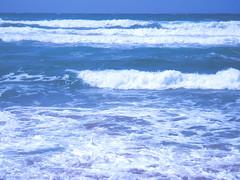 Blue waves on the big beach (eleinads []) Tags: blue sea beach mare waves blu foam spiaggia onde oristano schiuma cuglieri isarenas torredelpozzo narbolia