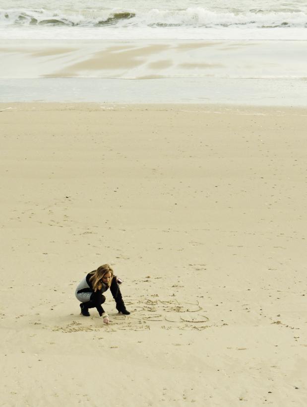 En la arena escribí tu nombre...