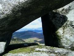 Pase-mis por TeresalaLoba (TeresalaLoba) Tags: spain rocks paisaje galicia lanscape rocas paisaxe rochas riadevigo cepeda pazosdeborbn galleiro teresalaloba tecorsocietarioribadeteapadrons ogalleiro