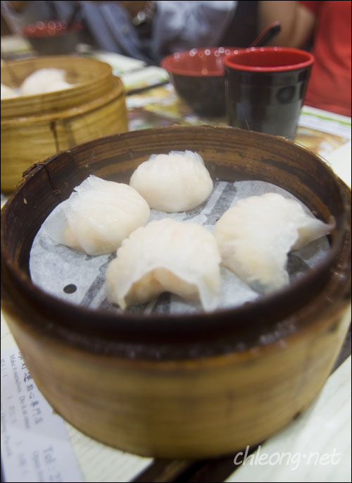 Steamed fresh shrimp dumpling