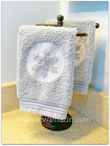 Embossed Snowflake Fingertip Towels
