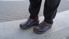 Brown Bastad clogs (2moshoes) Tags: wood clogs