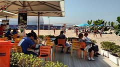 espera da primavera (luyunes) Tags: praiadecopacabana riodejaneiro praia motomaxx luciayunes primavera copacabana
