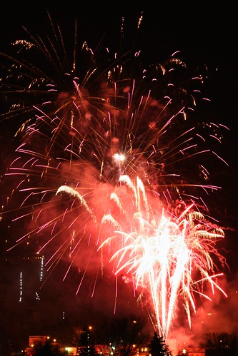 summerland-lightup-fireworks