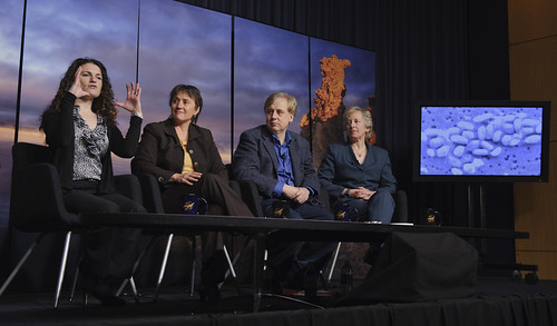 Astrobiology Press Conference (201012020002HQ)