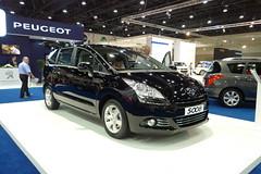 Peugeot 5008 (AlBargan) Tags: auto show lumix autoshow panasonic international motor abu dhabi peugeot motorshow 2010  2011   5008   abudahbi   lx3   dmclx3