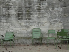 Paris chairs II (10b travelling) Tags: france brick green ctb wall architecture facade grey chair frankreich europa europe solitude ten walls francia carsten brink 10b cmtb tenbrink