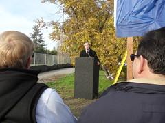 Mountain View city manager Kevin Duggan (Eric Fischer) Tags: bridge project ceremony trail mountainview us101 groundbreaking unitedstateshighway101 permanentecreek permanentecreektrail