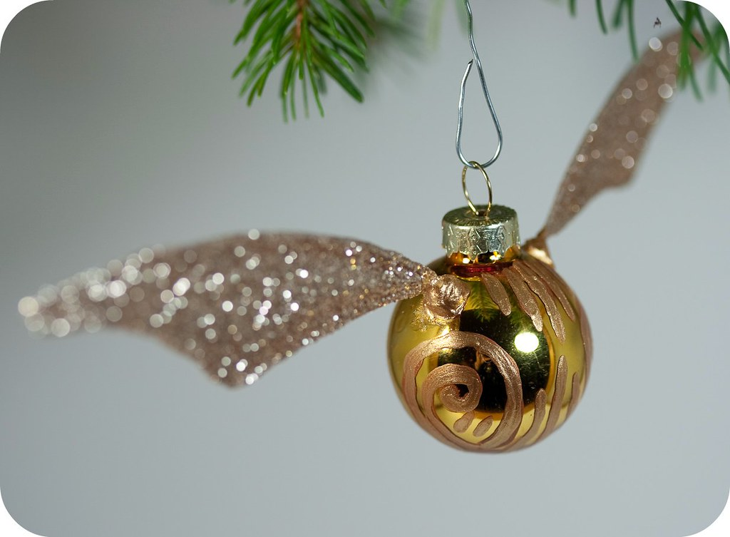 how-to: golden snitch ornament