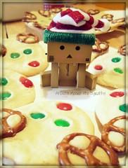 Yummy Reindeer Cookies! (Sock Hop Adoption Shop) Tags: christmas holiday cute cookies recipe asian reindeer toy actionfigure japanese robot baking cookie manga cardboard kawaii yotsuba posable danbo cardboardrobot revoltech danboard revoltechdanbo
