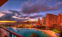 Great Googly Moogly in the Sky (Floyd's Noise) Tags: sunset color hawaii waikiki oahu hilton lagoon rainbowtower