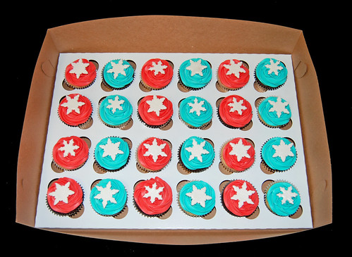 Red and Aqua Snowflake topped holiday cupcakes