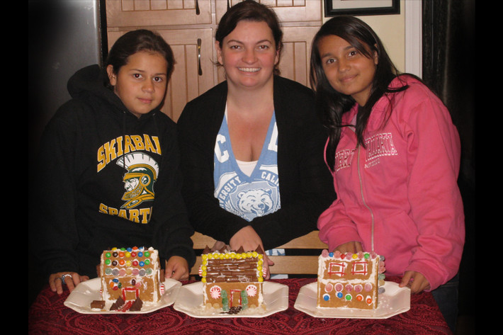 122010_bbbsGingerbreadHouses04