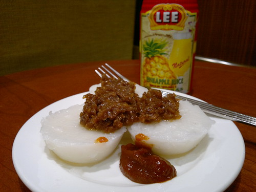 Chwee Kueh and Pineapple Juice
