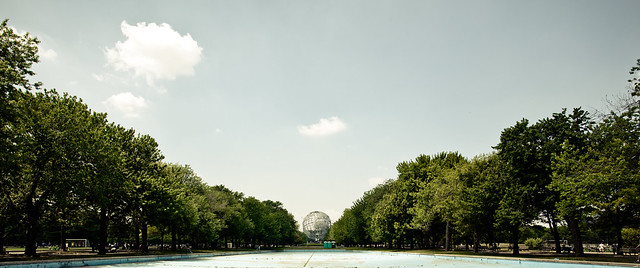 World at a Distance, Flushing Meadows [EOS 5DMK2 | EF 17-40L@22mm | 1/500 s | f/7.1 | ISO200]