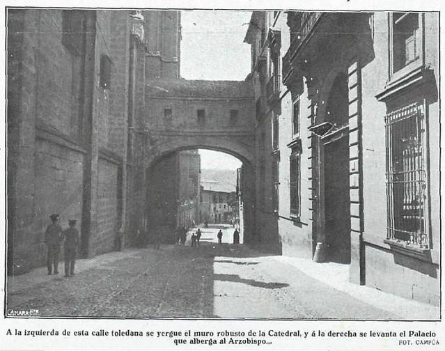 Arco de Palacio  hacia 1923. La Esfera