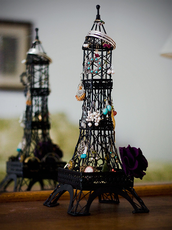 Eiffel-Tower-Jewelry-Holder-11-600px