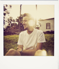 cristvo (Fbio Lamounier) Tags: light boy portrait sun sunlight film up vintage polaroid one close fabio retro step 600 flare tiradentes expired cristovao gois 779 lamounier