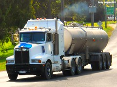 photo by secret squirrel (secret squirrel6) Tags: trees signs moving milk smoke awesome bumper worker trailer grille westbound tanker kw gippsland kenworth t600 ruralaustralia mirboonorth triaxle bogiedrive strezleckihighway secretsquirreltrucks