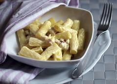 Lunch for One (Linda {*nel mio giorno di dolore che ognuno ha*}) Tags: food cooking 50mm bokeh olympus pasta primo cibo pancetta ricetta maccheroni cucinare zafferano ingredienti