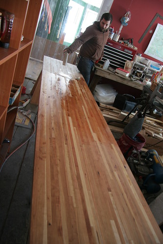 finishing the countertop