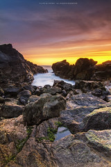 Castro Sampaio - Sunset 03 (Filipe Oliveira (FAAO)) Tags: longexposure sunset sun praia beach portugal clouds de rocks colorful exposure pôrdosol porto castro sampaio tokina1224mm faao canoneos7d filipeoliveira