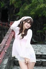[フリー画像] 人物, 女性, アジア女性, 帽子・キャップ, ファッション, 201107180900
