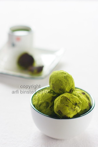 matcha green tea choc truffles-2-1