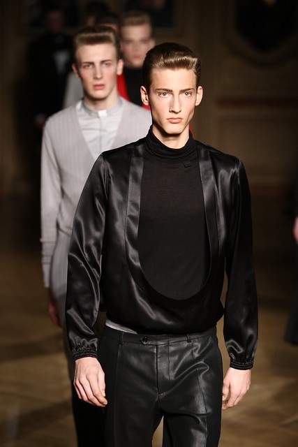 Clement Soulas3092_FW09_Paris_Francisco Van Benthum_HQ(frillr via faget@Bellazon)
