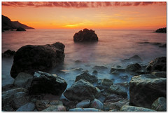 till the end of the day (chris frick) Tags: longexposure sunset sky seascape clouds rocks raw tripod wideangle filter 121 mallorca mediterraneansea cokin portdevalldemossa boluders 121l a550 remoteshuttercontrol chrisfrick sonyalpha550 tobaccolight colourgradients sonydt1118mm4556