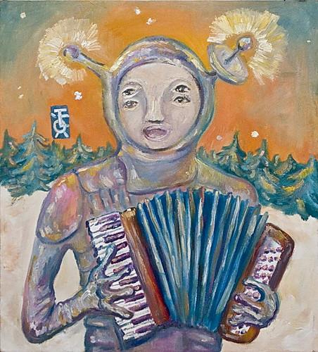 Инопланетянин музицирующий на аккордеоне в тайге