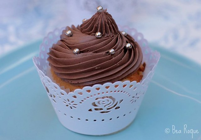 Vanilla cupcakes and chocolate buttercream