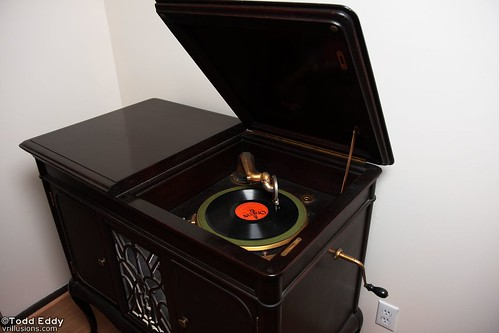 POTW: Granby Phonograph Player