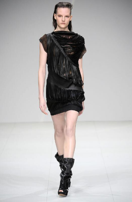 Sharon Wauchob Fall 2010 Slit dress 11