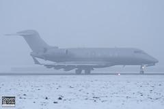 OE-HVJ - 20200 - VistaJet - Bombardier BD-100-1A10 Challenger 300 - Luton - 101222 - Steven Gray - IMG_7307