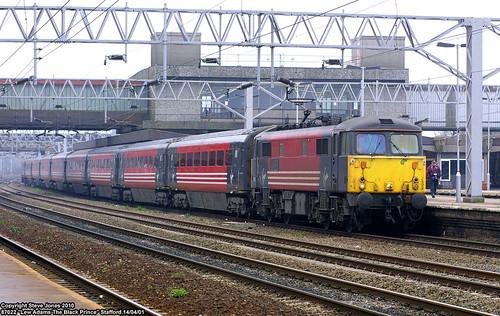 uk england electric train britain transport traction engine rail railway loco gb british locomotive staffordshire stafford virgintrains passengertrain motivepower staffordstation class87 87022 lewadamstheblackprince