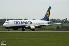EI-EGA - 38490 - Ryanair - Boeing 737-8AS - Luton - 100429 - Steven Gray - IMG_0562