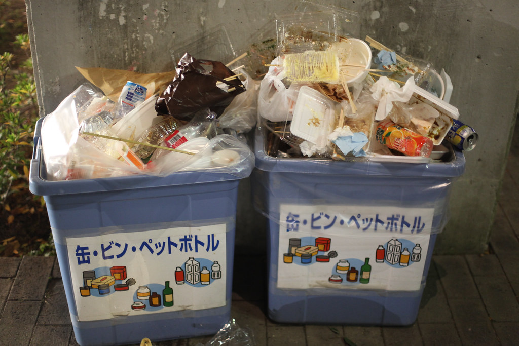 Trashcans near yatai at Kobe Luminarie