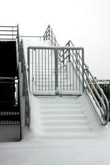 LA SCALA VERSO IL PARADISO? // DE TRAP NAAR DE HEMEL ? // THE STAIRCASE TO HEAVEN? (Anne-Miek Bibbe) Tags: winter snow sneeuw thenetherlands staircase scala trap ijssel krimpenerwaard krimpenaandenijssel bibber ijsseldijk bibbe algerabrug annemiekbibbe