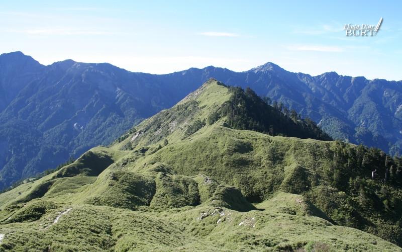 小奇萊和其後的奇萊主峰
