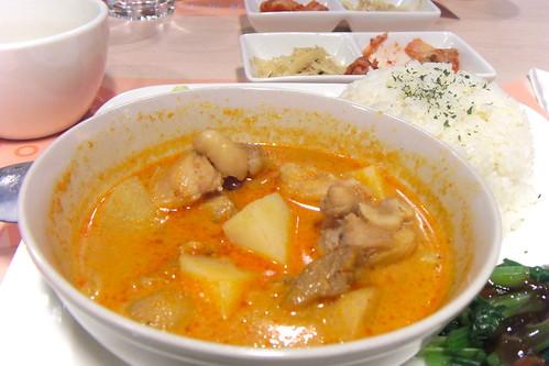 書河點的「泰式椰汁咖哩飯」