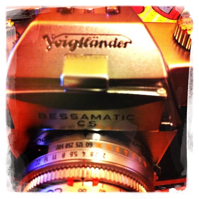 Voigtlander Bessamatic CS + Super Dynarex 135/4+kodak gold 100