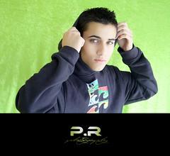 Borja (ll) (Pablo · Ronald) Tags: boy portrait man verde green retrato adolescente sweatshirt chico billabong mirada borja capucha sudadera pabloronald borjacastellano borjii