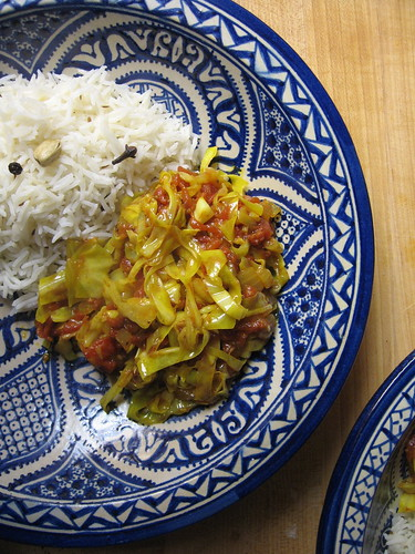 curried cabbage and tomatoes