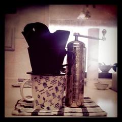 友人のケメックス割れた…というtwを見て珈琲飲みたくなった。わたしはいつものカリタで。