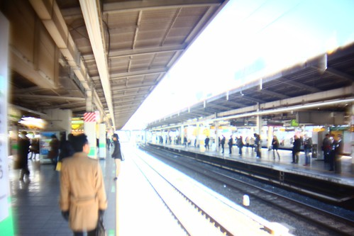 池袋駅ホーム 明 x0.5 WIDE KSW-1 + PC LENS IN A CAP