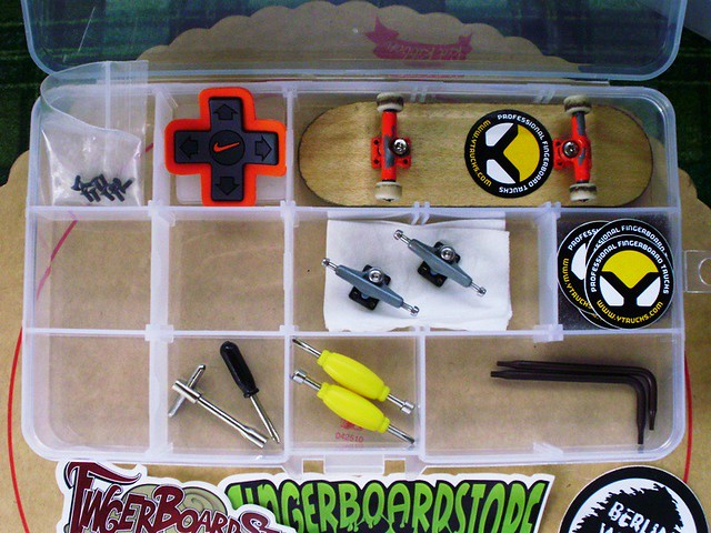 post your fingerboard case/box - Page 7 5383576592_8b9fb0a00f_z
