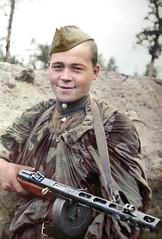 Red army soldier with Shpagin PPSh submachine gun,foto: Timofey Melnik (klimbims) Tags: ppsh ððð¨ wwii ww2 ппш redarmy russiansoldier russianarmy